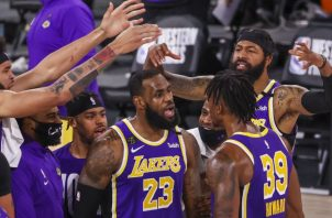 LeBron James es la figura de los Lakers. Foto:EFE