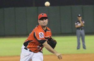 Paolo Espino, juega actualmente con los Toros del Este en República Dominicana. Foto: