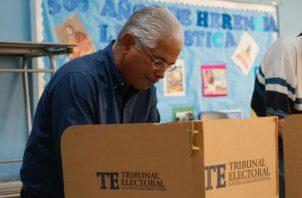 El panameñista José Blandón votó en el colegio María Inmaculada.