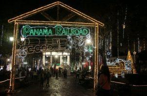 Parques iluminados en la ciudad de Panamá. Foto Victor Arosemena