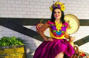 Abril Cervera, conductora de TV Azteca Monterrey.