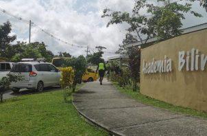 Cuatro sujetos entraron armados a robar en la Academia Bilingüe San Lorenzo de Chilibre.