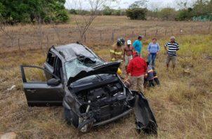 Todos los heridos fueron atendidos en el lugar del accidente y luego trasladados a un centro hospitalario. Foto/Cuerpo de Bomberos