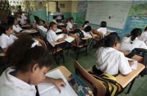 Preocupa a la Acodeco que certificaciones de Meduca a colegios particulares sea por trámite. Archivo