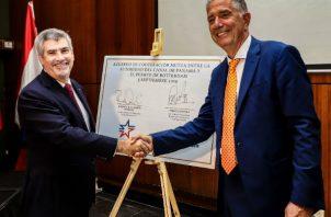 El acuerdo, firmado la semana pasada, se da en un período de crecimiento continuo tanto para el Canal de Panamá como para el Puerto de Róterdam.