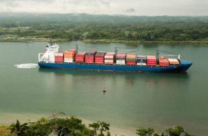 Para transitar el Canal de Panamá de océano a océano un buque demora entre 8 y 10 horas. Foto: Canal de Panamá