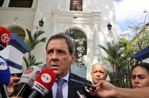 José Gómez dimite al cargo como director de la Autoridad Nacional de Adunas. Foto: Autoridad Nacional de Aduanas.