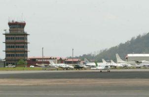 Reactiva vuelos de Fokker 50. Foto/Archivos