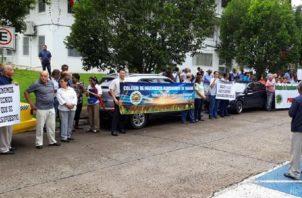 Protestaron ayer frente al Ministerio de Desarrollo Agropecuario en Curundú. Cortesía