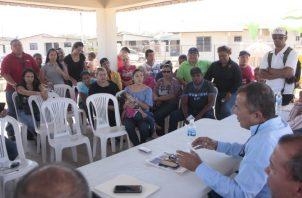 Moradores se reunieron para analizar la situación y decidir qué acciones realizarán para recibir solución sobre el tema.