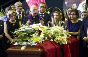 Velatorio del expresidente peruano Alan García. Foto: EFE