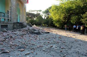 Las autoridades informan de una serie de daños materiales. FOTO/AP
