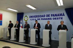 Los seis candidatos que buscan hacerse de la Alcaldía de La Chorrera, participaron de un debate organizado por la Regional de la Universidad de Panamá. Foto/Eric Montenegro