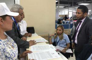 El incidente de recusación contra los magistrados del Tribunal Electoral Eduardo Valdés Escoffery y Alfredo Juncá lo presentó el abogado Alejandro Pérez.