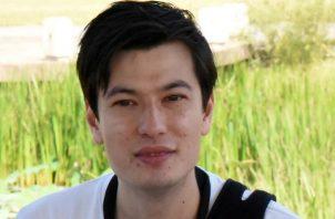Sigley, de 29 años y que estudiaba literatura en una universidad de la capital norcoreana, llegó por la mañana al aeropuerto de Pekín acompañado del enviado especial del gobierno sueco, Kent Härstedt.