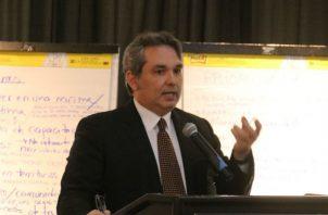 Alfredo Castillero Hoyos fue escogido por la Asamblea Nacional como defensor del pueblo el 30 de marzo de 2016.