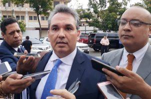 """Alfredo Castillero Hoyos anunció que peleará ante instancias internacionales su """"injusta destitución""""."""