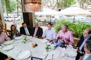 José Raúl Mulino y Rómulo Roux se unen por el partido Cambio Democrático.