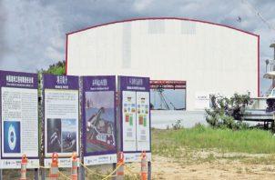 Una empresa china estableció, silenciosamente, una planta de reciclaje en el relleno que se le expropió a Jean Figali en la Calzada de Amador.