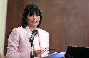 La directora de la Antai ha sido cuestionada por sus constantes viajes y silencio ante escándalos de corrupción.