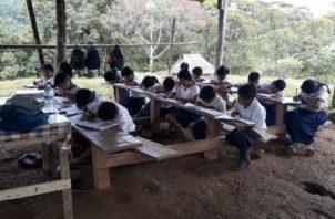 Los maestros deben acercarse a las regionales de Educación. Foto: Panamá América