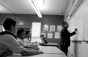 El aprendizaje por repetición puede ser un punto de partida para el aprendizaje significativo, El estudiante es el protagonista de su propio aprendizaje. Foto: EFE.