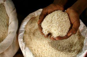 El costo de producción de arroz de un quintal tiene un costo aproximado de 23 dólares.
