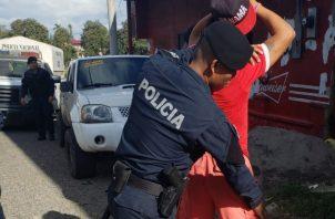 Durante la acción se pudo ubicar los teléfonos celulares y parte del dinero que había sido sustraído a las víctimas. Foto/ Mayra Madrid