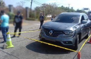 Los asaltantes despojaron al conductor de dinero en efectivo, dándose a la fuga en dirección a la vía Interamericana. Foto/Eric Montenegro