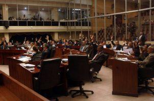 Diputados vinculados a posible lesión patrimonial y cambio irregular de cheques. Foto: Panamá América.