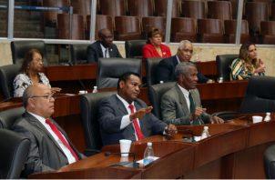 Los diputados han señalado que para aprobar el proyecto de ley que tipifica la evasión fiscal como un delito, primero aprobarán el Código Tributario.