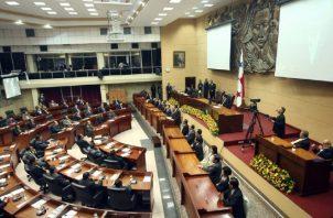 El modelo que propone el PRD, las reformas tendrían que comenzar con los actuales diputados, antes del 30 de junio. Foto de archivo
