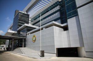 La Asamblea continúa enviando recursos a la Corte para evitar que la Contraloría entre al Legislativo. Foto de archivo