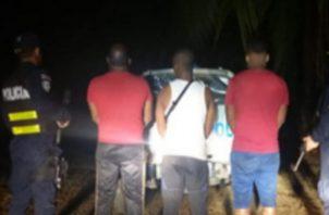Los sujetos fueron identificados como  Castillo Sánchez, de 29 años; Grueso Valencia, de 59; y Rentería Suárez, de 24, siendo puestos a órdenes del Ministerio Público, junto con la droga decomisada.
