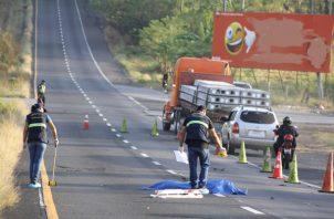 Las autoridades buscan al conductor implicado en este caso de atropello y fuga. Foto/Eric Montenegro