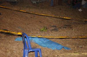Un racimo de plátanos verdes aparece en la escena. El racimo se lo iba a llevar Moisés Gutiérrez a su hermano. Foto Alexander Santamaría