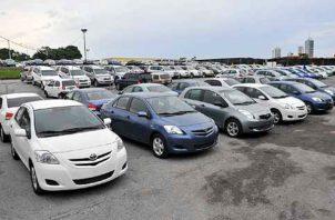 Las ventas en los segmentos de autos que más disminuyeron fueron regulares, suv's, paneles, pick ups, buses y caminones. Foto/Archivo