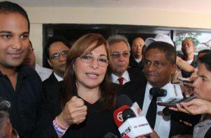 Balbina Herrera reconoció que no tiene cómo probar que Ricardo Martinelli dio órdenes para pinchar. Foto: Panamá América.