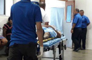 El herido es de aproximadamente 30 años de edad. Foto: Mayra Madrid.