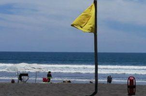 Alerta por oleaje en Playas del Pacífico este Viernes Santo. Foto/Sinaproc