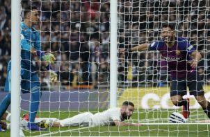 Luis Suárez  festeja ante Real Madrid. Foto:AP