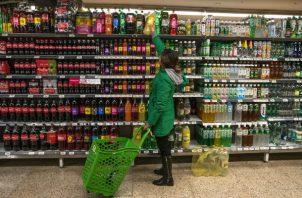 La venta de bebidas azucaradas se ha visto afectada por las importaciones en los últimos años.