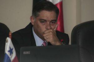 El diputado Valderrama ha sido duramente criticado por contar con diversos familiares nombrados en puestos claves en este gobierno. Archivo