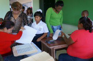 La Beca Universal es un programa dirigido a apoyar a que los estudiantes no abandonen las escuelas.