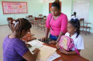 La Beca Universal se mantendrá para todos los estudiantes de las escuelas públicas, pero como una bonificación o ayuda social.