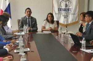 La primera reunión de la mesa de trabajo entre autoridades. Foto de cortesía