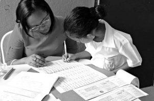 El objetivo de minimizar la deserción escolar .