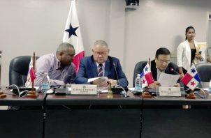 Presidente de la Comisión de Presupuesto, el diputado del PRD, Benicio Robinson.