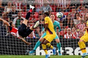 Aritz Aduriz sentenció al Barcelona.
