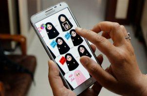 """Desde que Snapchat adquirió Bitmoji en 2016 por 100 millones de dólares, la """"app"""" cuenta con más de 100 millones de descargas. Foto/EFE"""